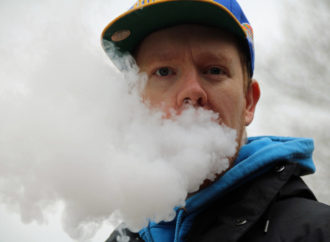 Possible Canadian cases of vaping illnesses being investigated: health officer
